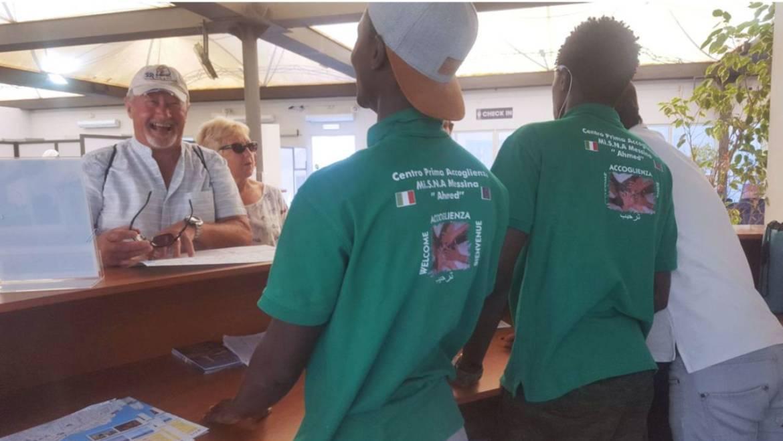 AccogliME, così i migranti accolgono i croceristi a Messina